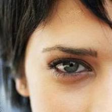 göz altı torbaları neden olur göz altında şişlik göz altı torbalarının nedenleri nelerdir