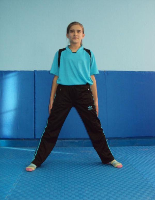açık bacak duruşu - temel jimnastik duruşları jimlastik cimnastik