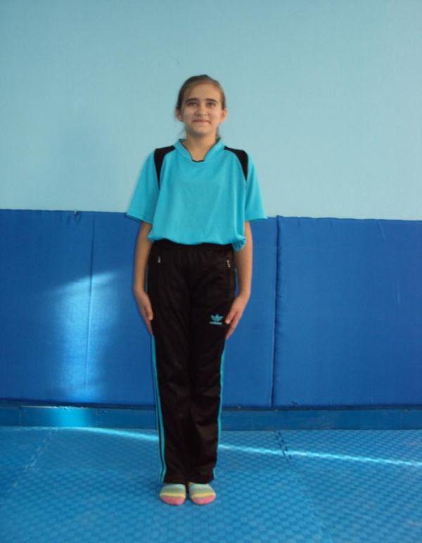 kapalı bacak duruşu - temel jimnastik duruşları jimlastik cimnastik