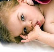 çocuklarda parmak emme huyu, çocuğuma nasıl parmak emmeyi bıraktırırım