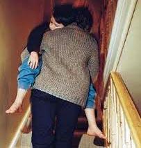 uyurgezer nedir çocuklarda uykuda yürüme nasıl olur çocuk neden uykuda yürür