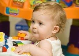 bebeklerde gelişim bebeğin gelişimi çocuğun gelişmesi