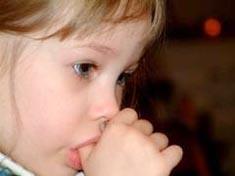 çocuğum parmağını emiyor çocuğuma parmak emmeyi nasıl bıraktırırım