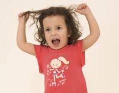 çocuğum saçlarını yoluyor çocuklar neden saçlarını yolarlar
